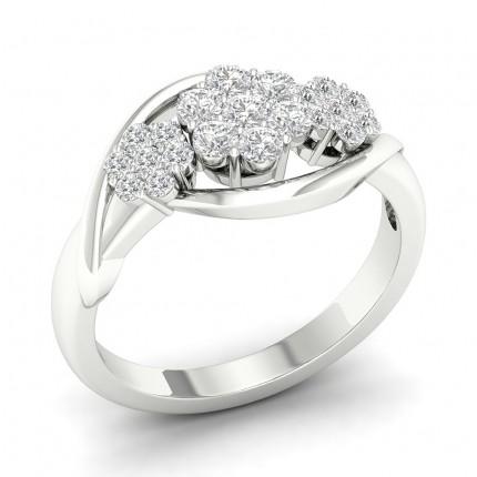 Anello Con Diamanti A Grappolo Rotondi Con Montatura A Griffe