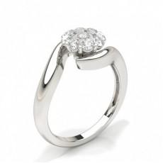 Anello Con Diamanti Rotondi A Grappolo Con Montatura A Griffe Condivisa
