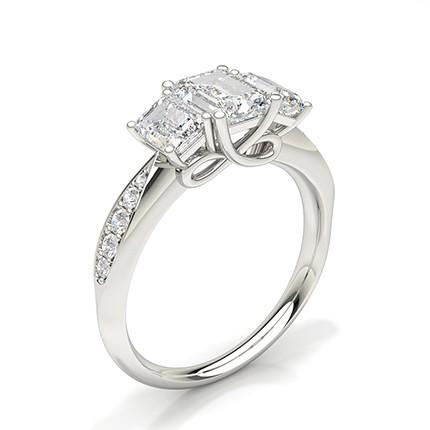 Anillo De Compromiso Con Trilogía De Diamantes Con Montura De Clavijas