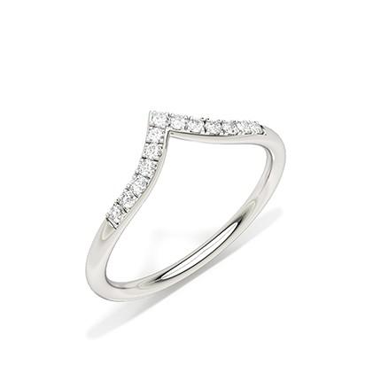 Alliance en forme de diamant serti griffes