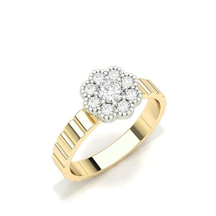 Anillo De Racimo De Diamantes Redondos Con Montura De Clavijas
